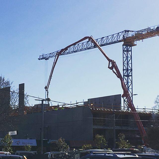 Watton St Rivière Development site progress. Another week another level higher. #construction #apartmentliving #apartments #developer #cranes #concrete #concretepumping