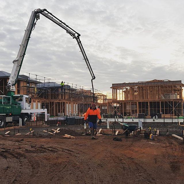 Last four slabs poured at our Tarneit Multi Residential site 🤜🏻 #concrete #construction #constructionworker #trucks #developer #development #builder #madok