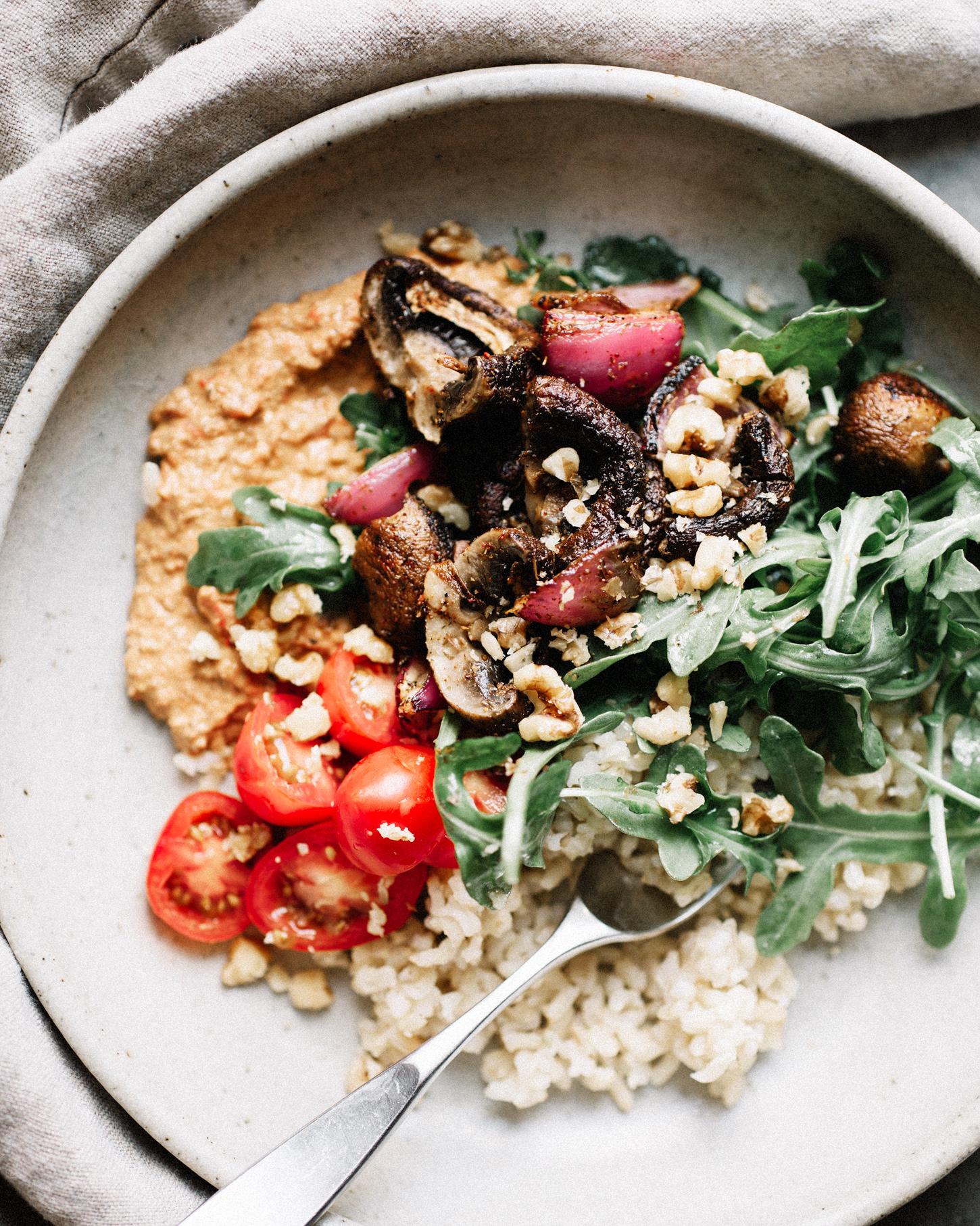 烤蘑菇碗配木瓜拉。足彩威廉希尔