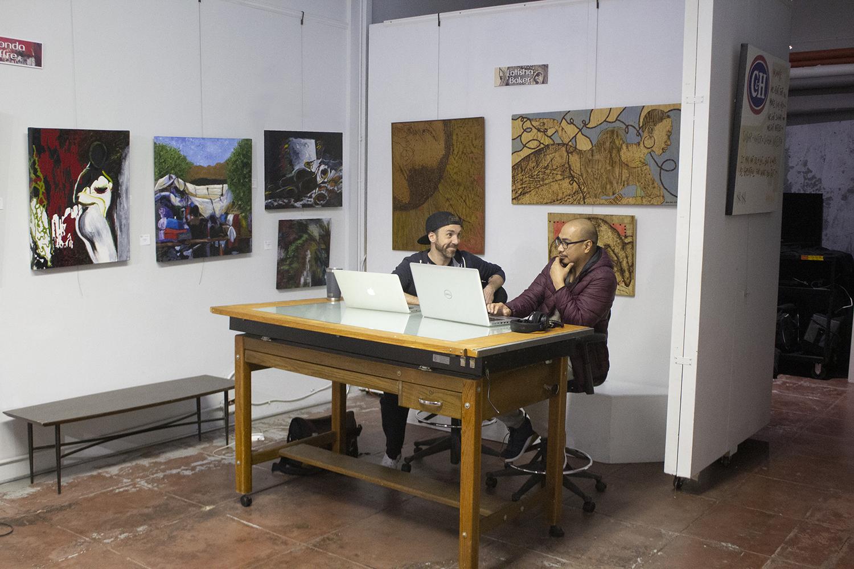 RBA Creative member Nino Fernandez meeting with a client.