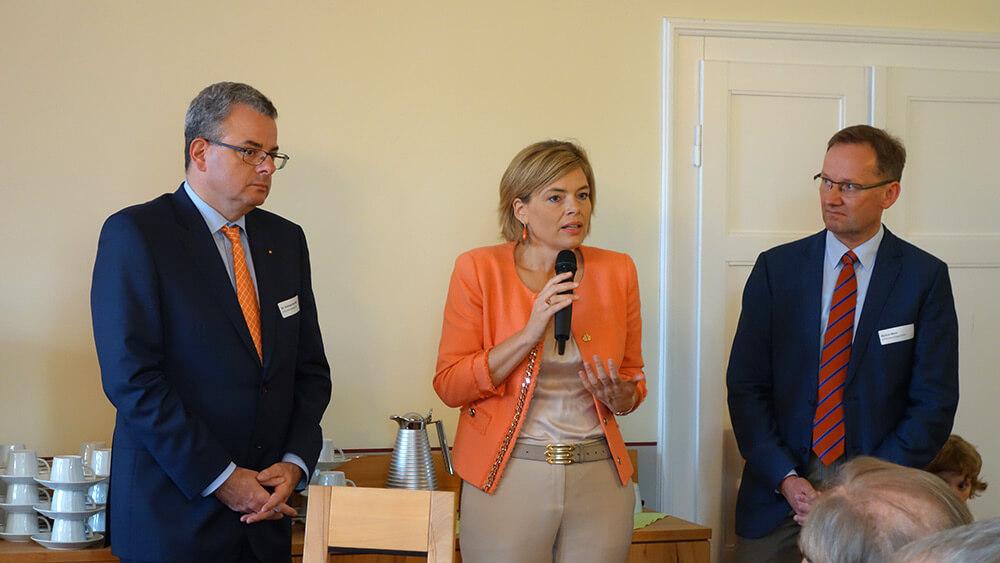 Im Rahmen eines Westerwälder - Unternehmertreffens besuchten Julia Klöckner und Dr. Andreas Nick unser Unternehmen.
