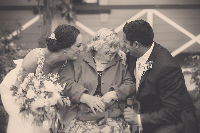 kissing-grandma-havelock-north-weddings