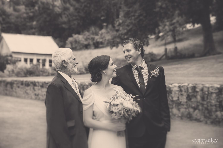 family-at-oruawharo-weddings