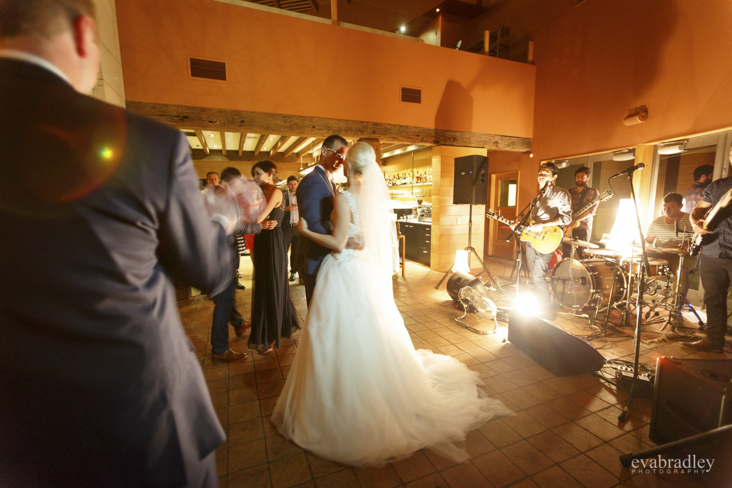 first dance hawkes bay wedding photography