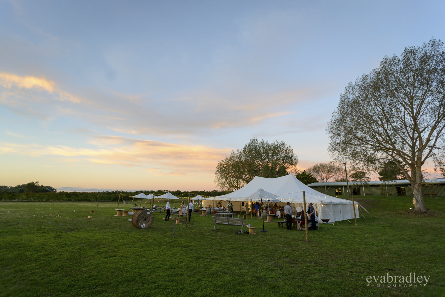 tukituki-marquee-country-wedding