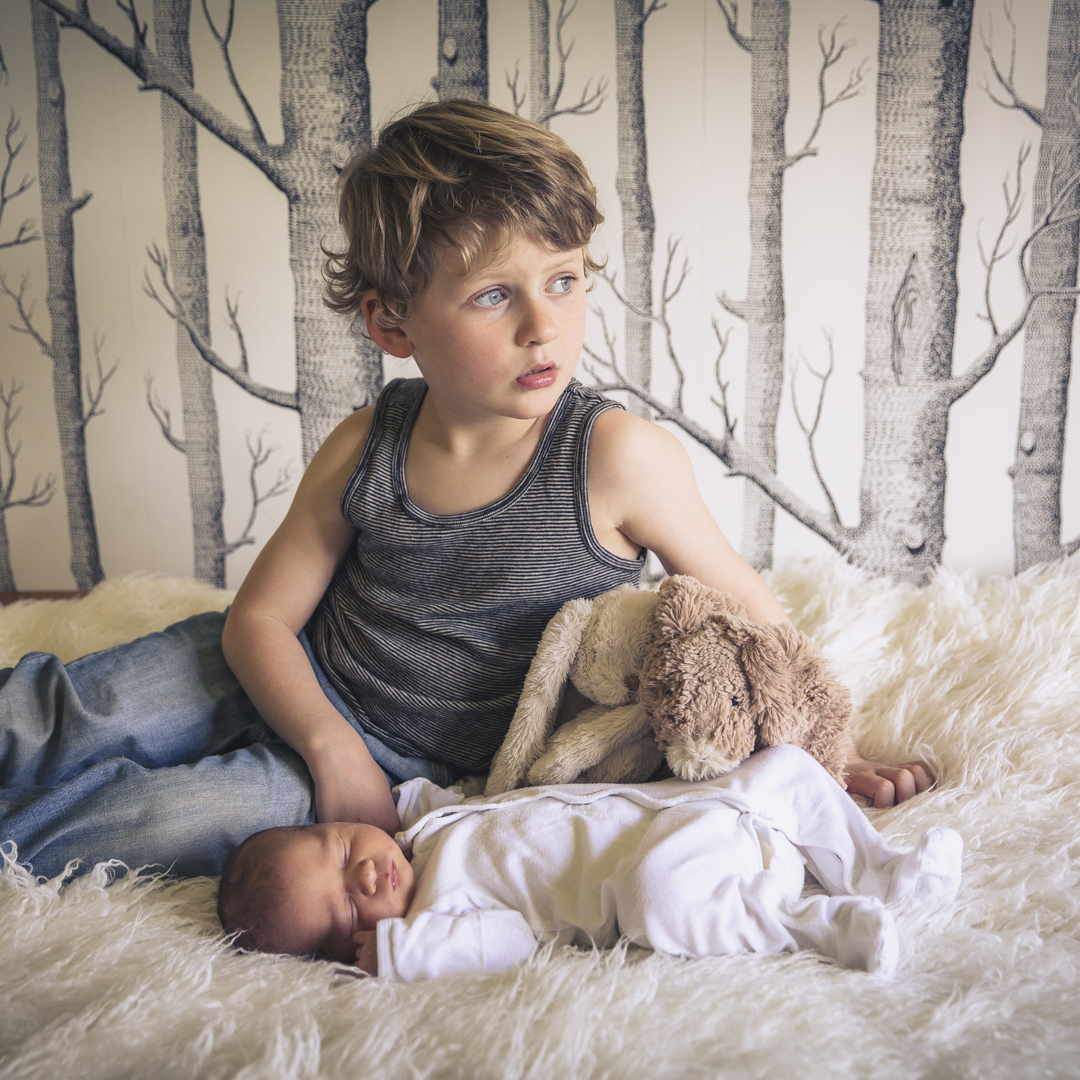 NEWBORN SESSION - AT HOME WITH LITTLE LOUIS