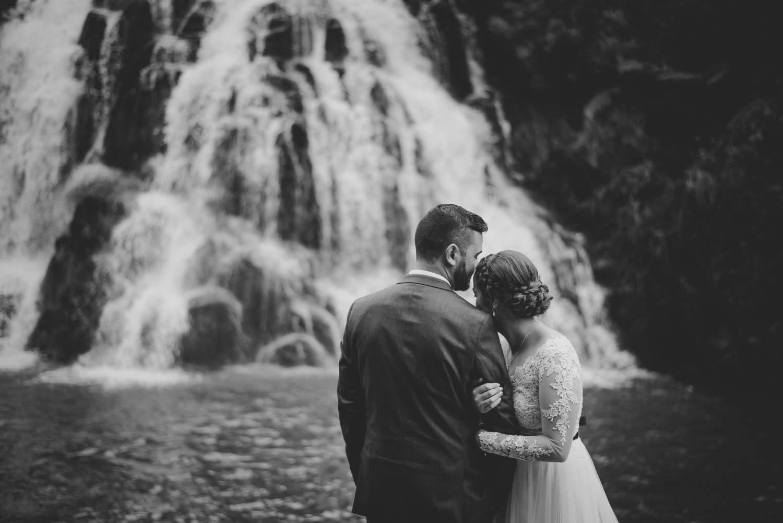 owharoa-waterfall-wedding-photo