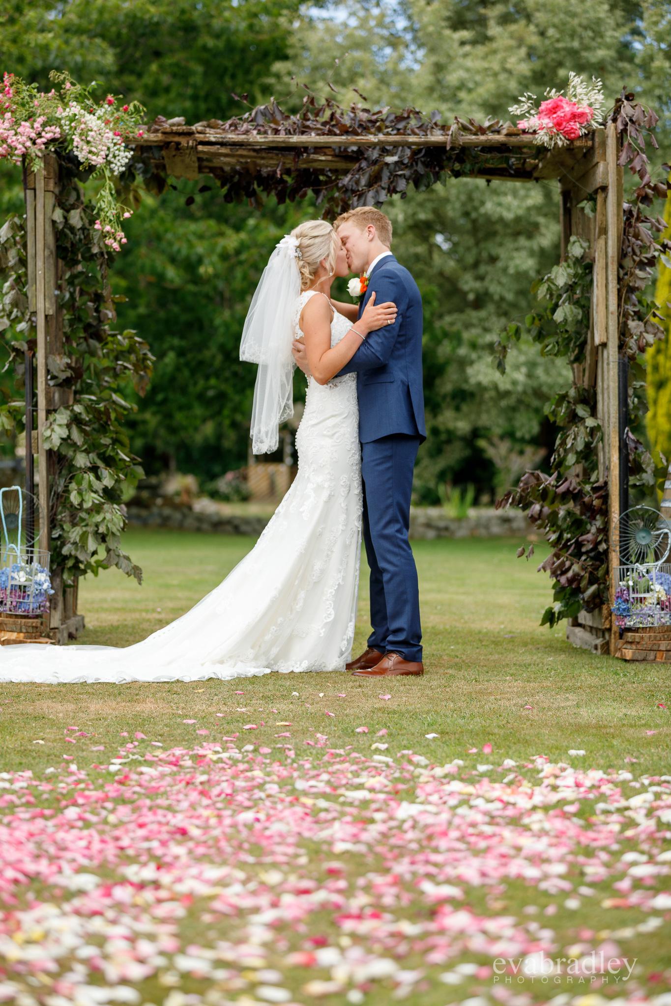 best-top-10-wedding-photographers-nz