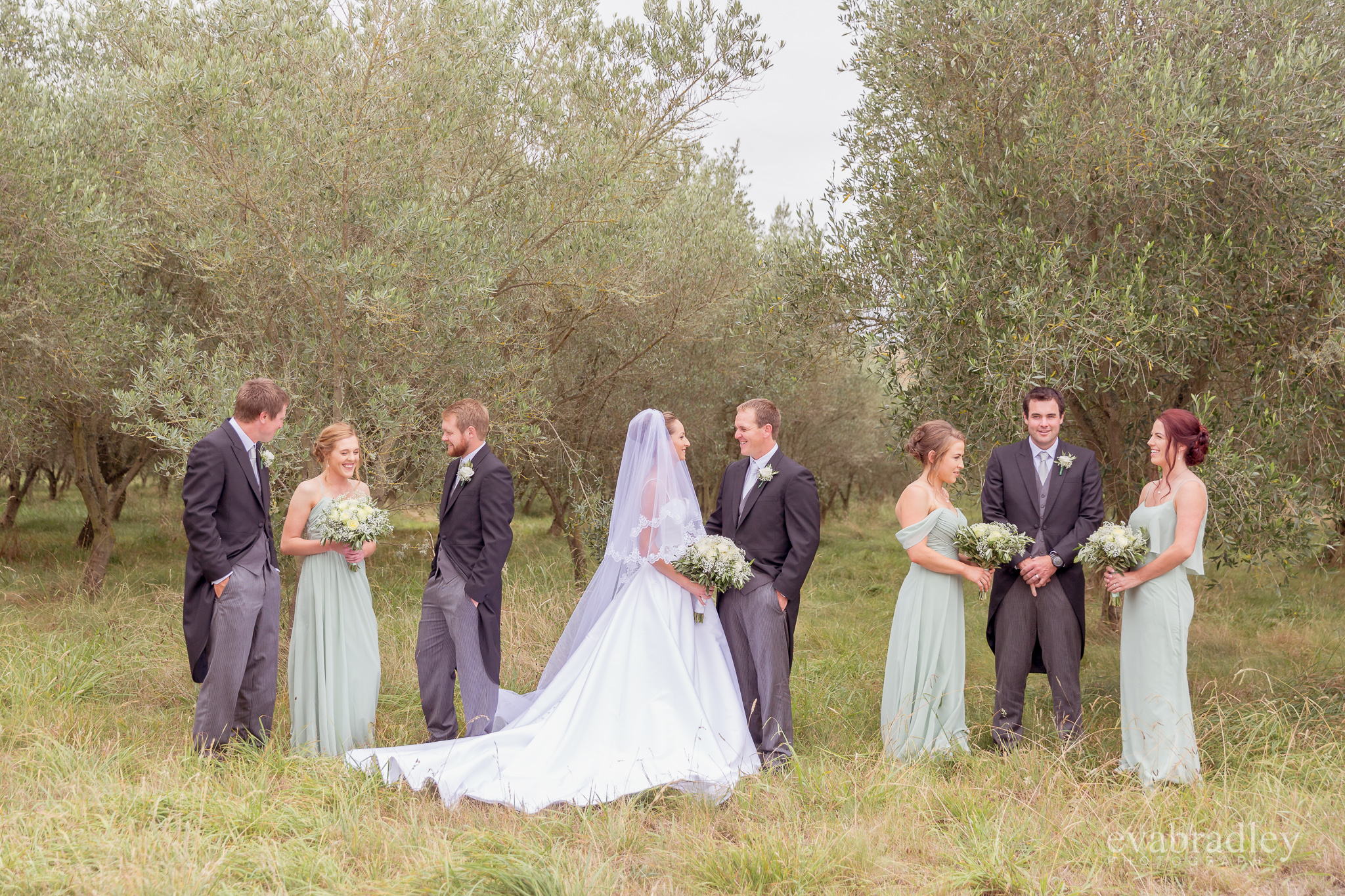 wedding-photographers-eva-bradley