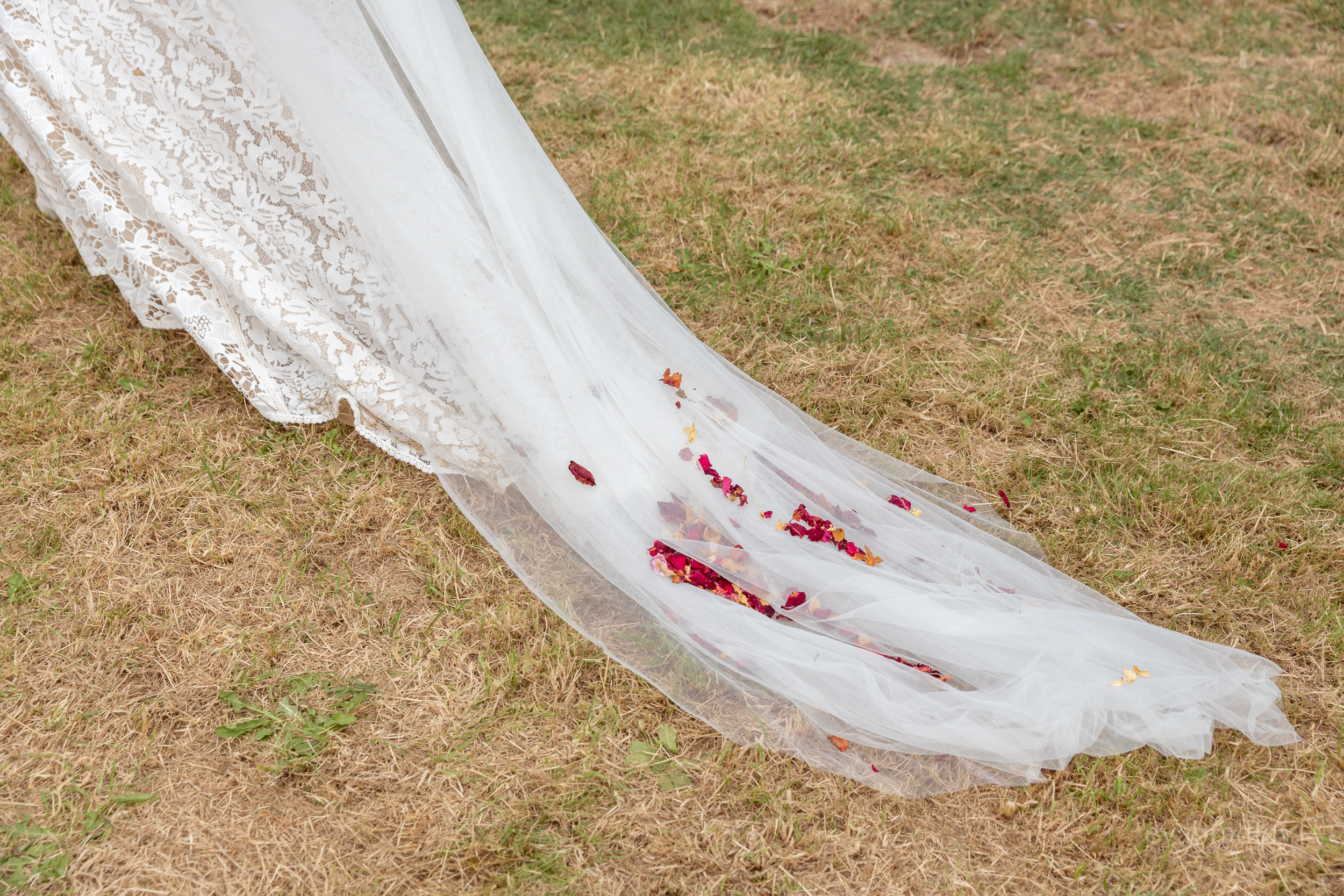 lovers-socitey-nz-wedding-dresses