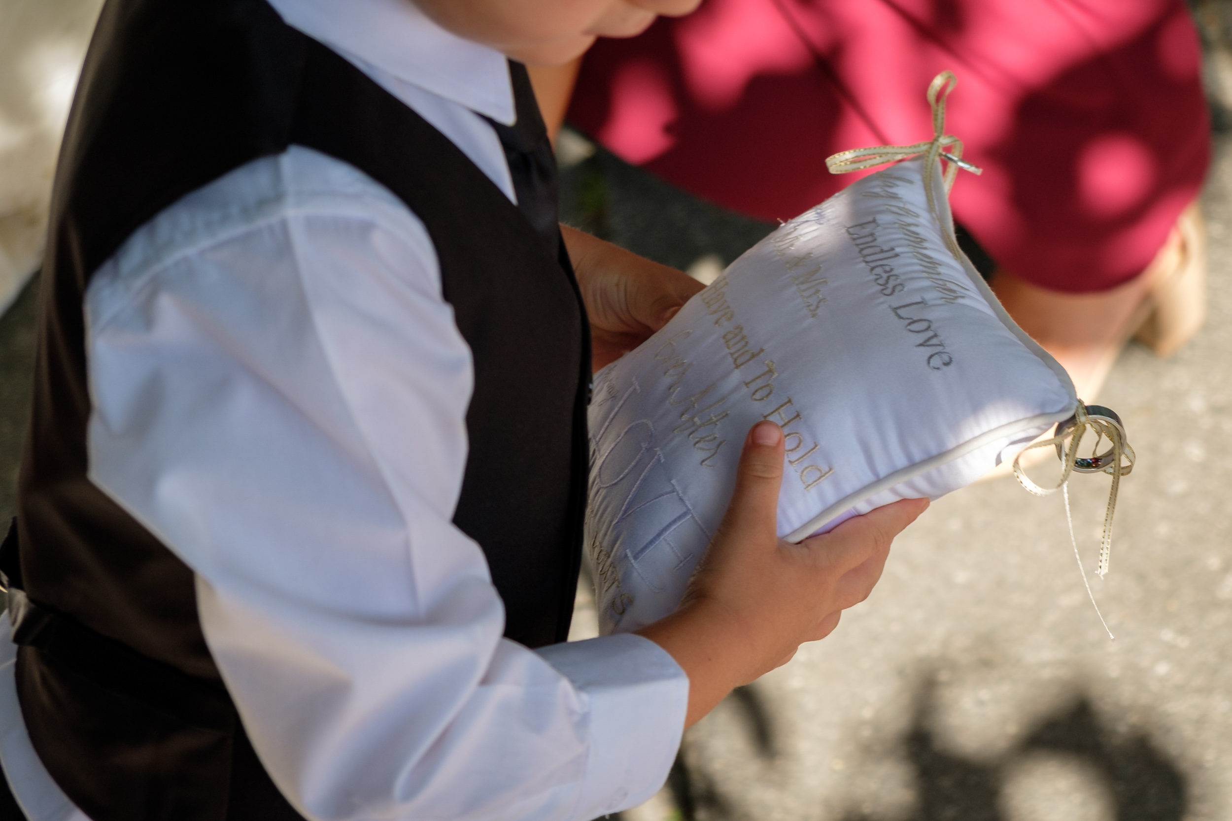 pageboy-pillow-hawkes-bay-weddings