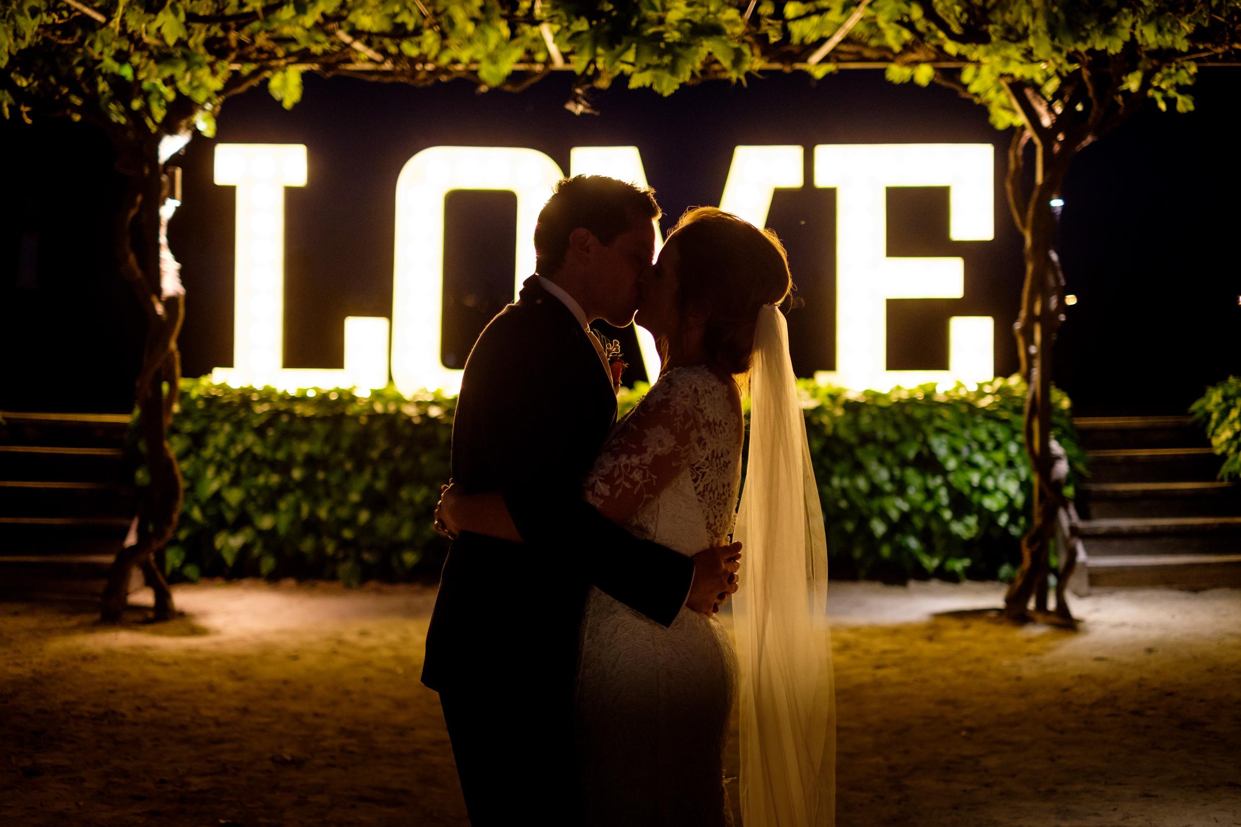 lumina-love-sign