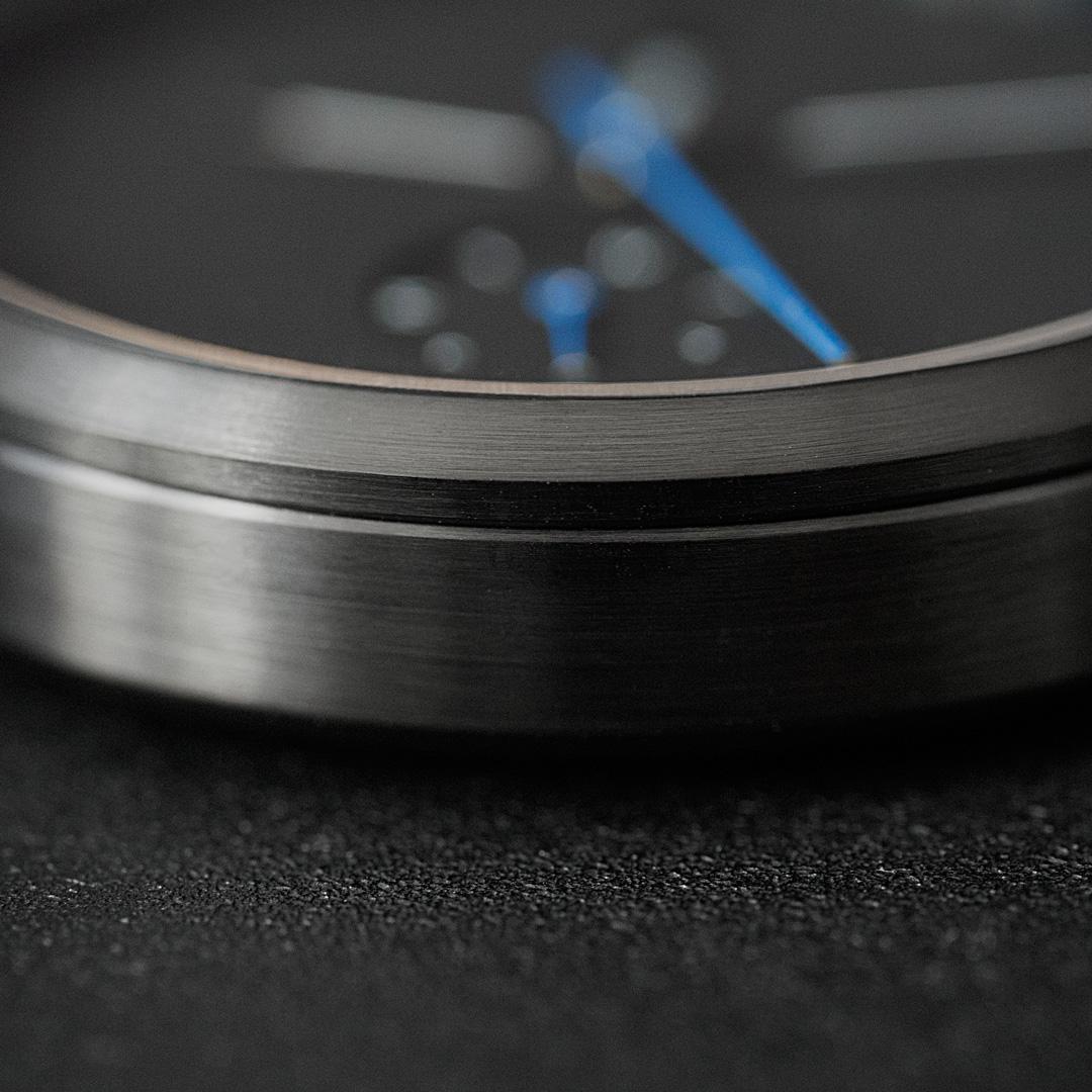 Essential-black-dlc-closeup.jpg