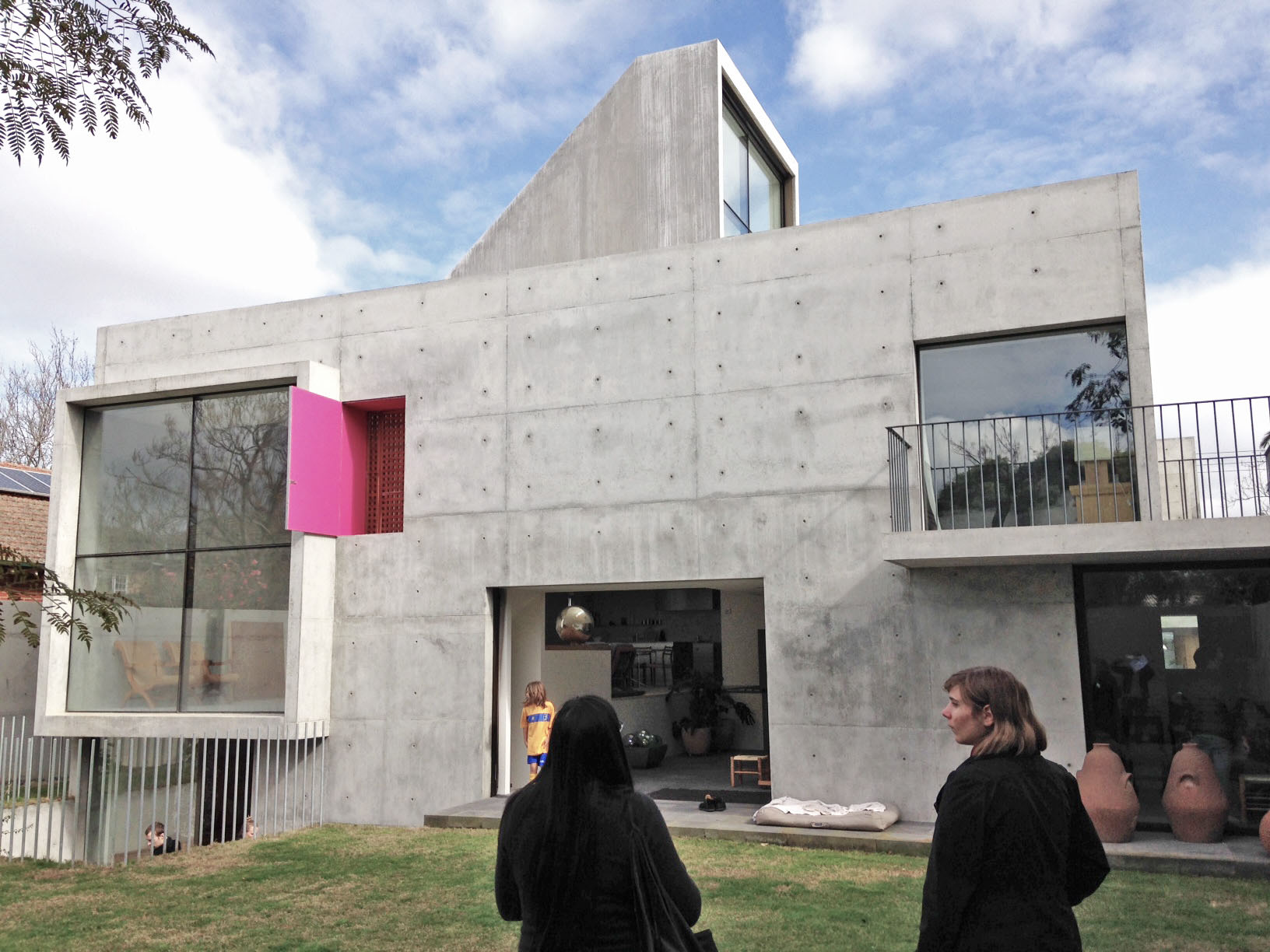 the contemporary mexican house v2.jpg