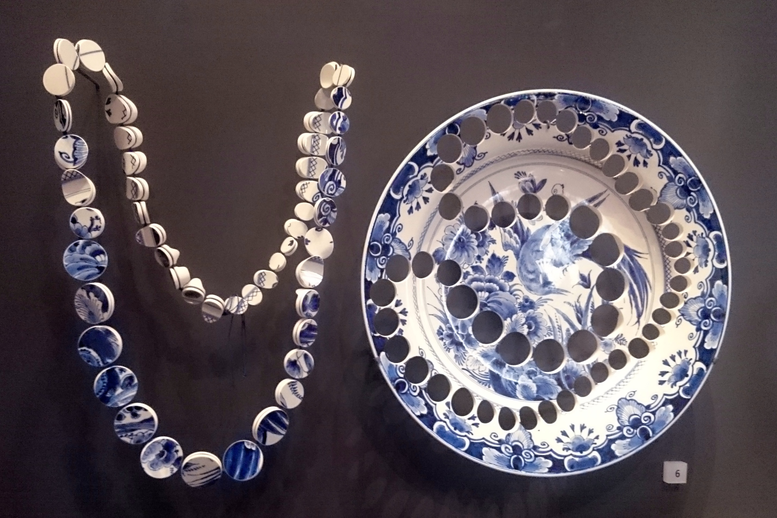 Kitchen Necklace by Gésine Hackenberg, 2009. 19th century Delftware Pottery.Wonderful to finally see this piece, it's bigger and brighter than I had imagined!
