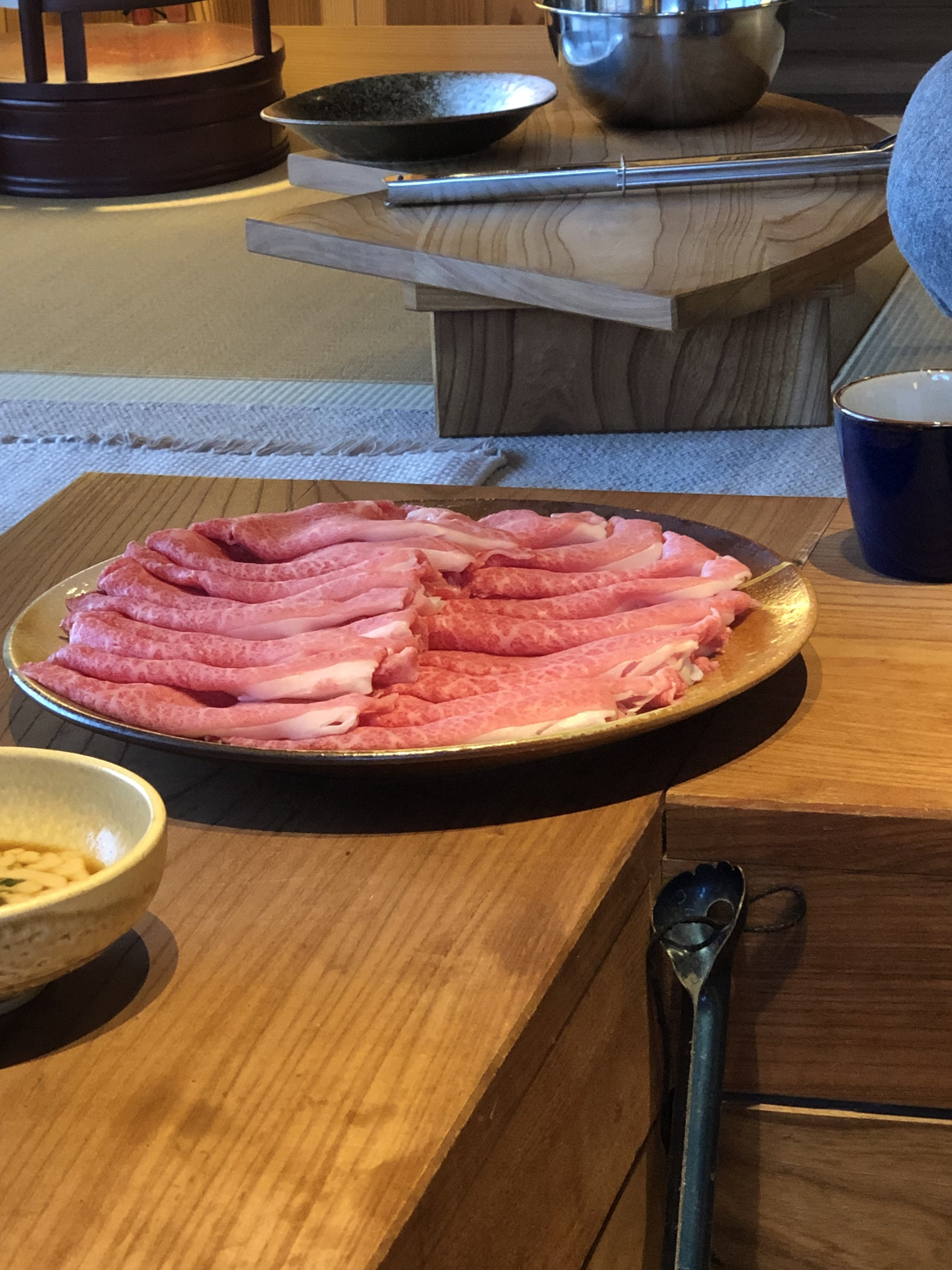 In-room shabu-shabu (Sasayuri-an)