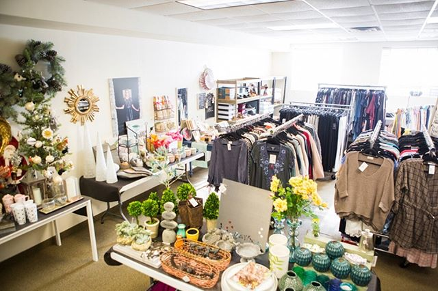STORE CLOSING SALE ________________  Everything in the Boutique is 25% to 50% off  All Furniture and Fixtures Vintage Furniture Home Decor Gifts Apparel and Shoes Jewelry Hobo bags  __________________________________  Boutique Open Everyday  Join us Saturday, March 30th for our  WAREHOUSE SALE  Great Deals in the Warehouse at 50% to 95% off  Warehouse open 12 to 5  The Warehouse is located next door to Lily and Violet Boutique (the red house)  Closing the end of April