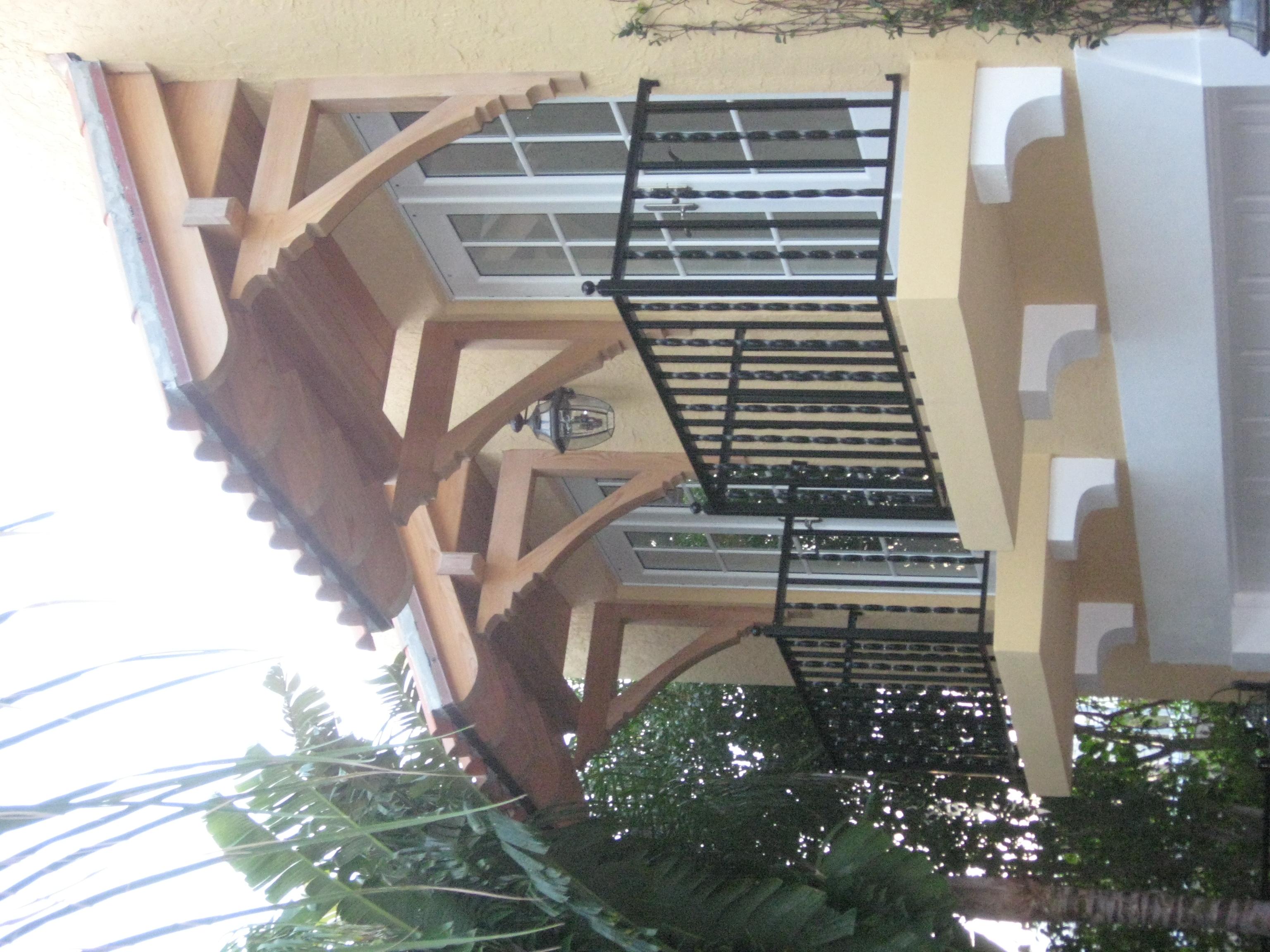 garage-balcony-det.JPG