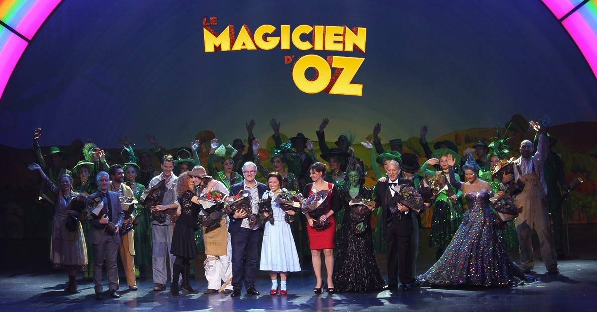 2014, Le Magicien D'Oz, Opening Night, Paris, DAR onstage, with logo.jpg