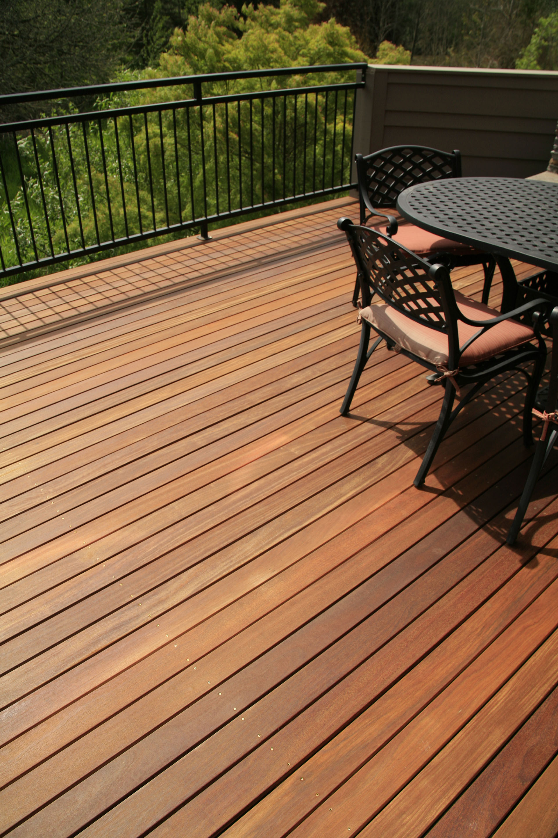 cumaru-deck-table-close-1.JPG