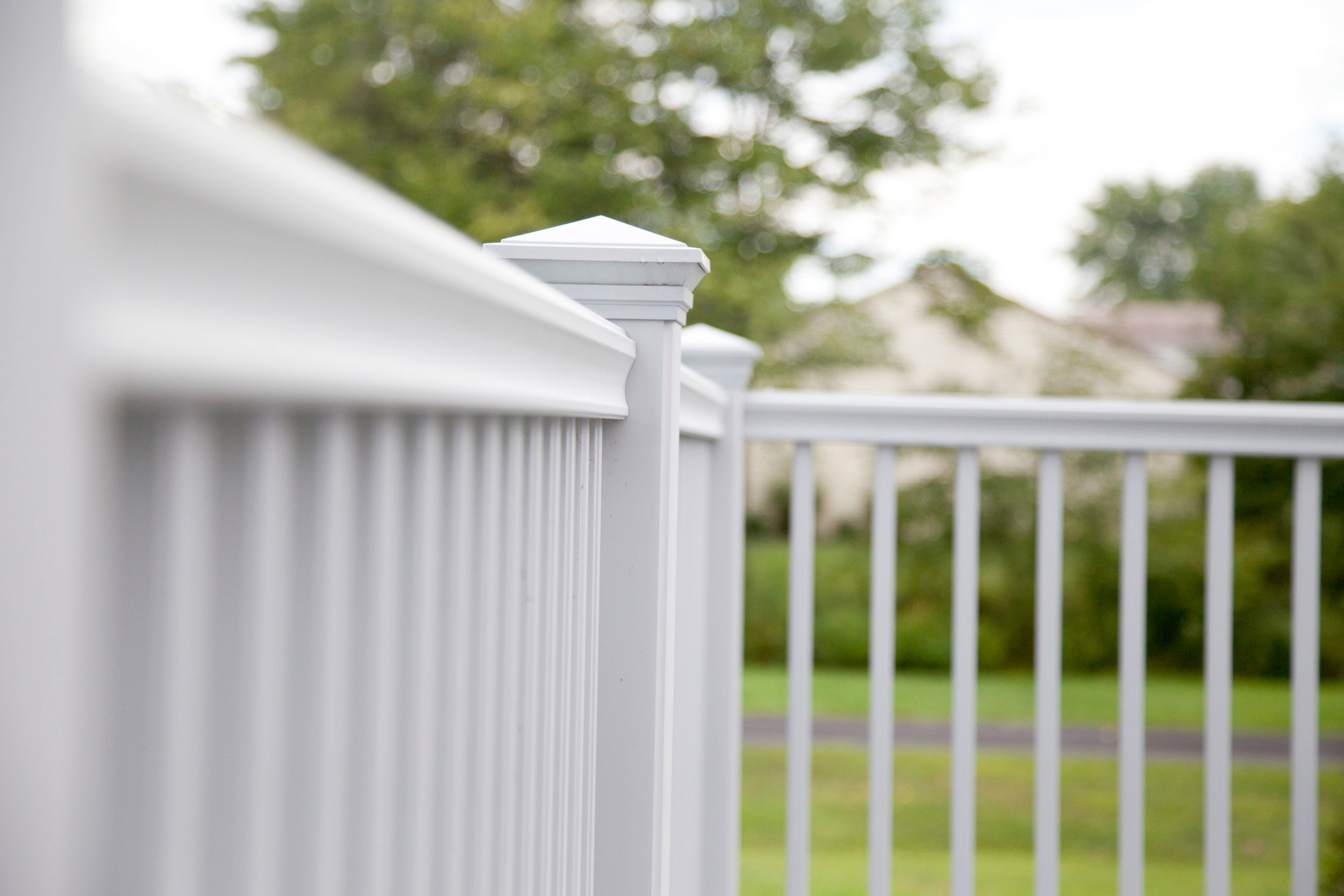 PVC, Vinyl and Resin Railing - Rockport, Merrimack, Nantucket, Titan (Vinyl-Clad Aluminum), Original Rail (Aluminum Reinforced Vinyl), Transform® (Resin based, state-of-the-art Resalite® core