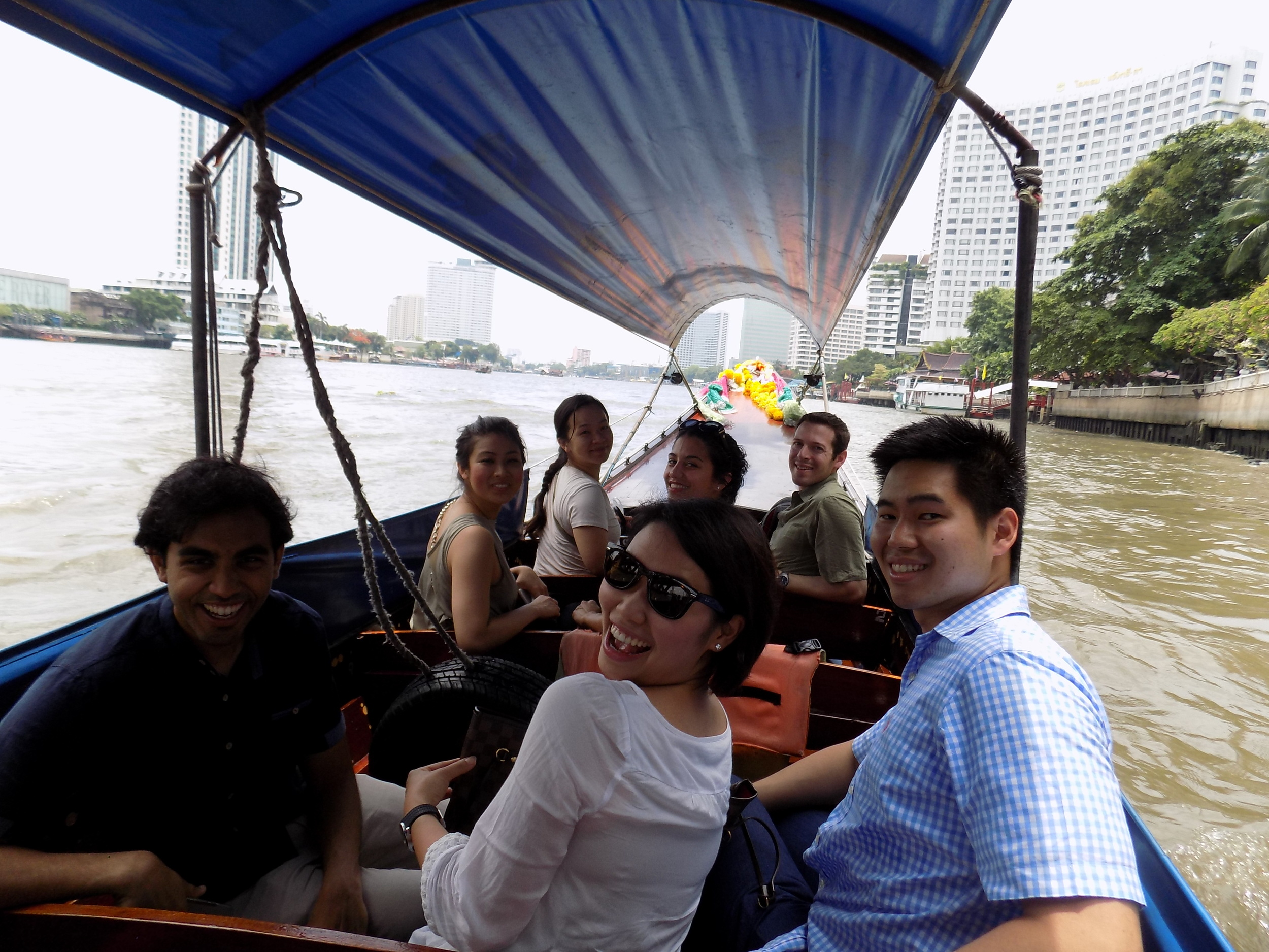 Traveling by boat taxi to the Grand Palace in Bangkok, part 1