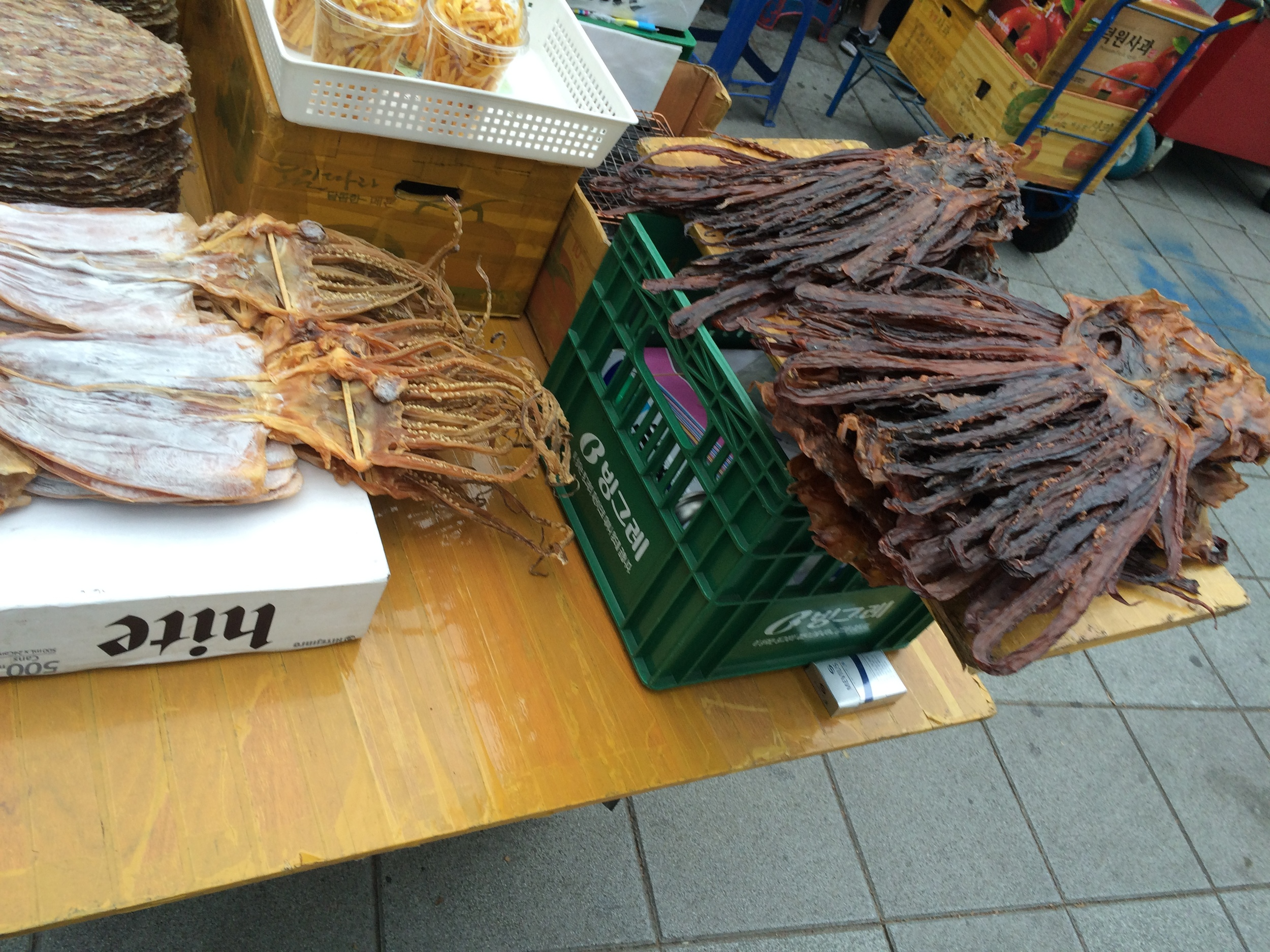 Korea's baseball game tradition? Squid jerky. (No, I didn't try it .... this time)