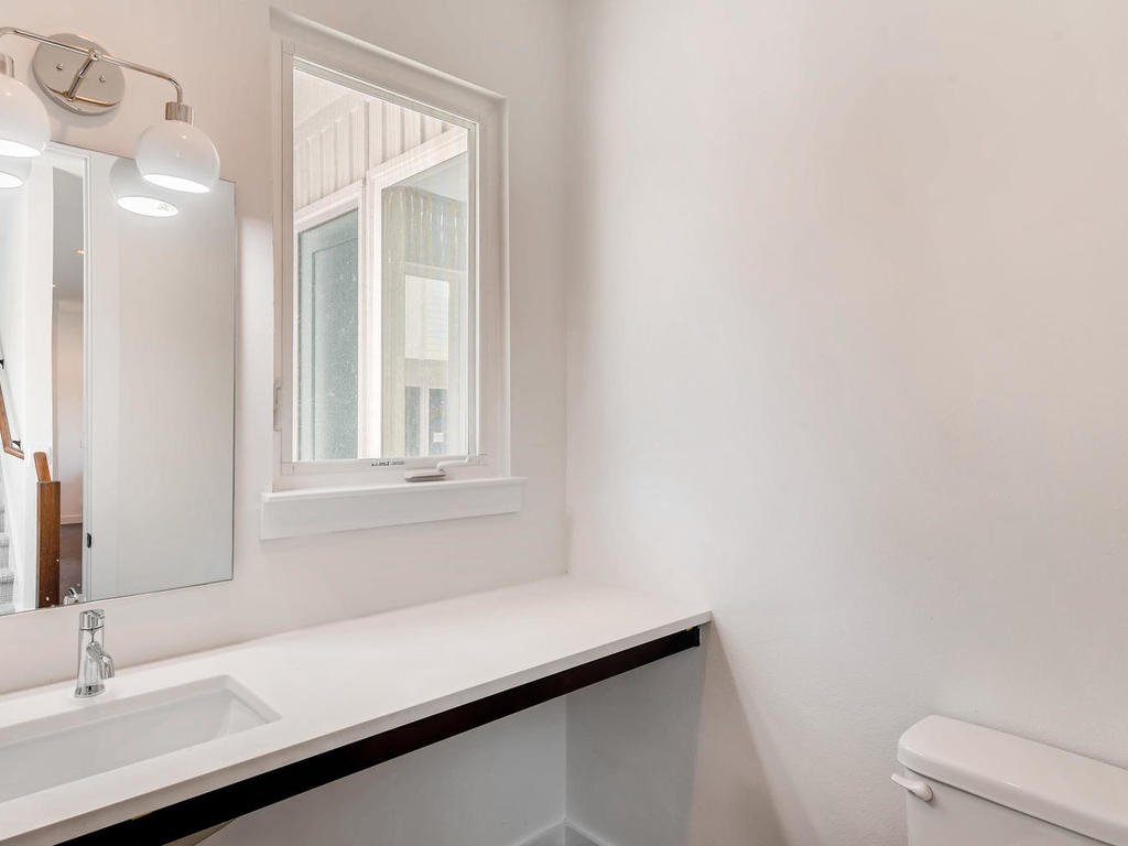 2910 Rogge Ln Austin TX 78723-012-12-Powder Room-MLS_Size.jpg