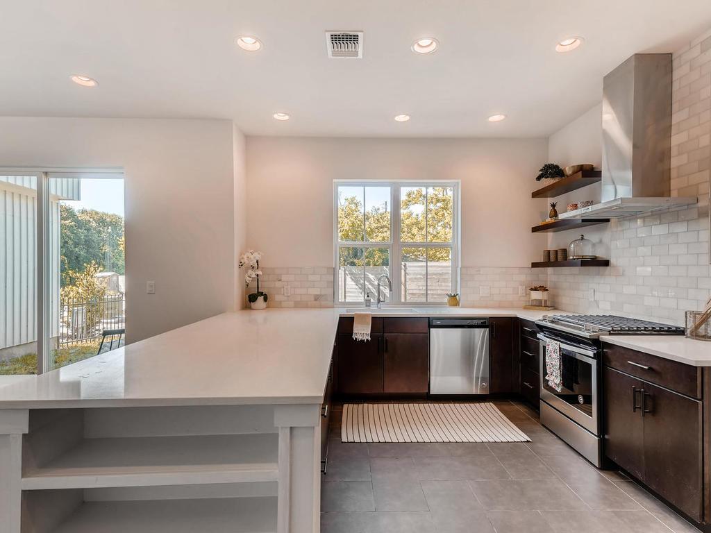 2910 Rogge Ln Austin TX 78723-010-1-Kitchen-MLS_Size.jpg
