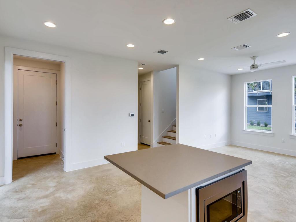 204 A Monotopolis Austin TX-011-013-Kitchen-MLS_Size.jpg