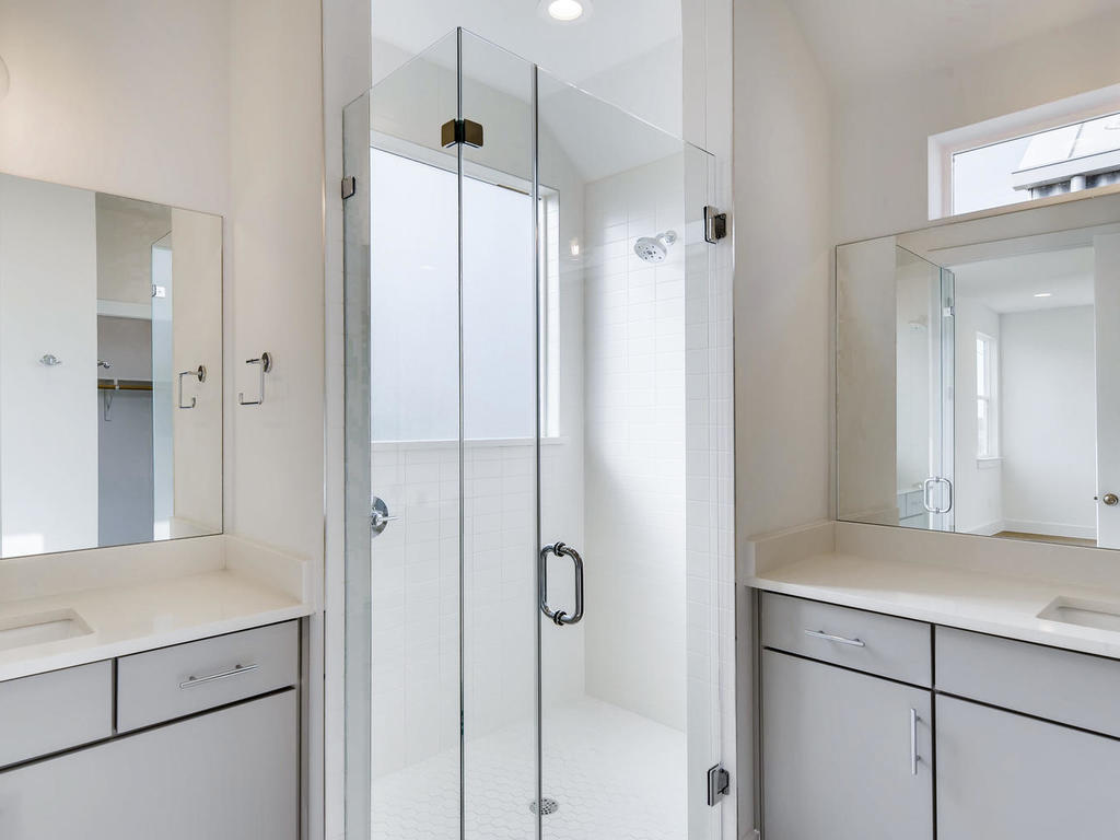 204 A Monotopolis Austin TX-018-021-2nd Floor Master Bathroom-MLS_Size.jpg
