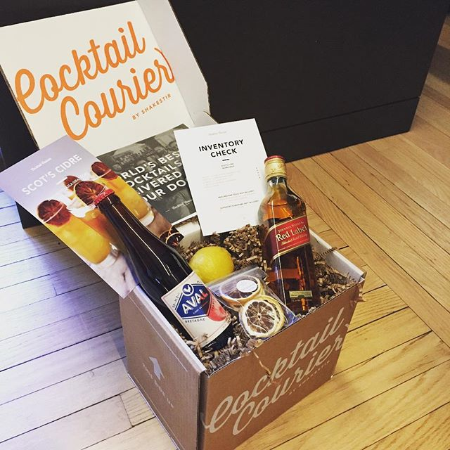 Monday ain't that bad after all. Get your own cocktail kit at @cocktailcourier and start mixing! #aval #avalmycider #cider #cocktailcourier