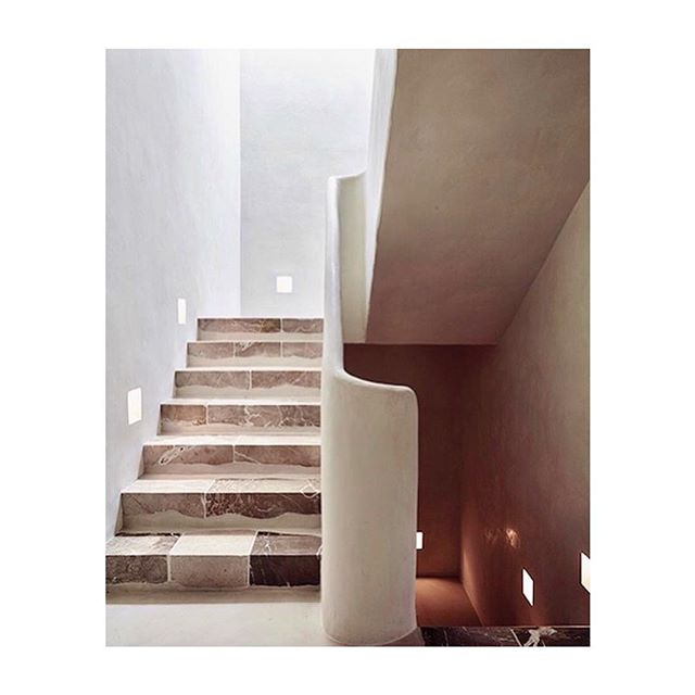 Stone and plaster all day long.  Design: @moredesign.es via @betapluspublishing