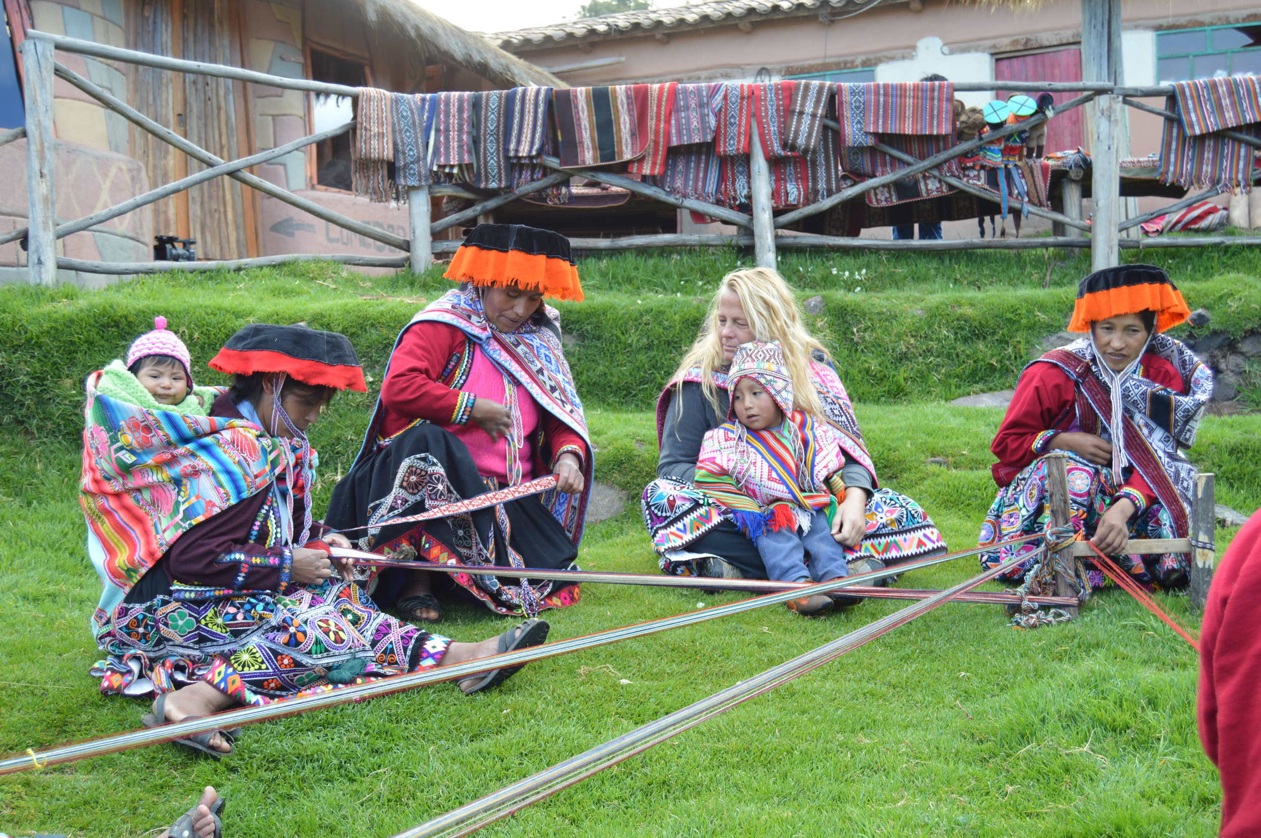 Demonstration and participation in the ancestral weaving process, Amaru, Peru