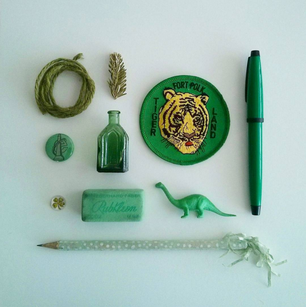 sentimental_knolling_green.png