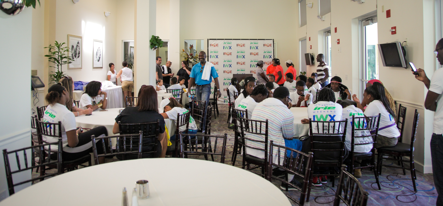 Youth Golf Clinic - Panoramic with Gale Nelson BBBS.jpg