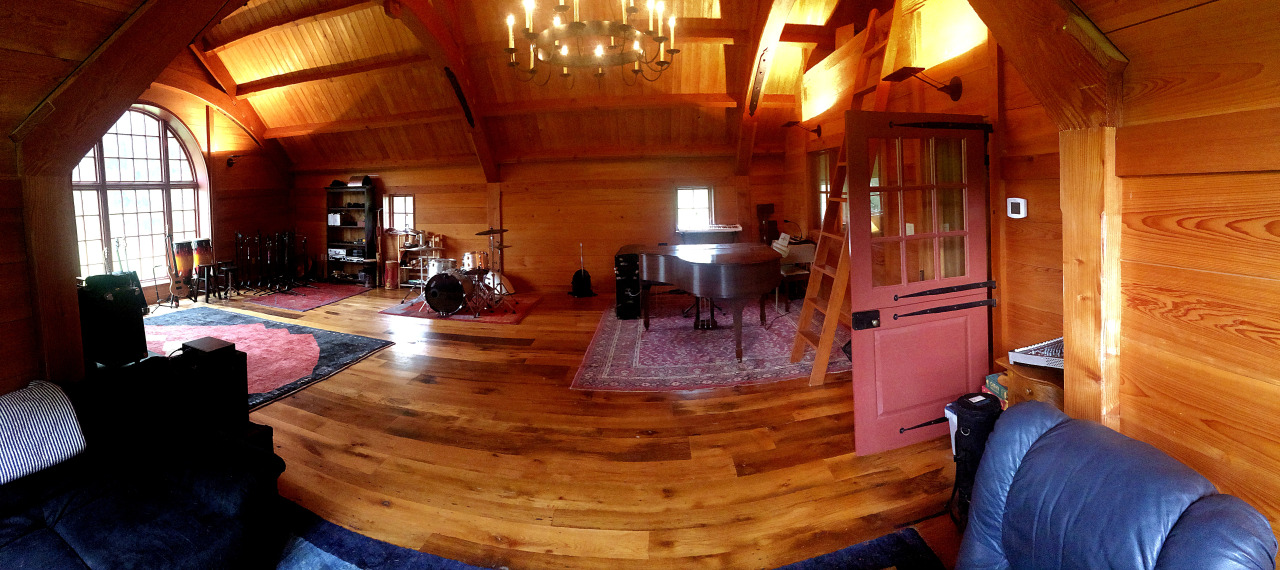 The live room (photo by ET)