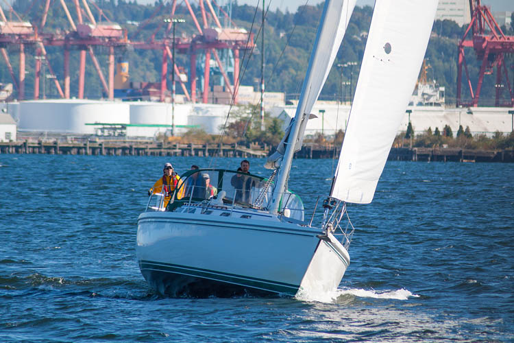 seattle-sailing-elliott-bay.jpg