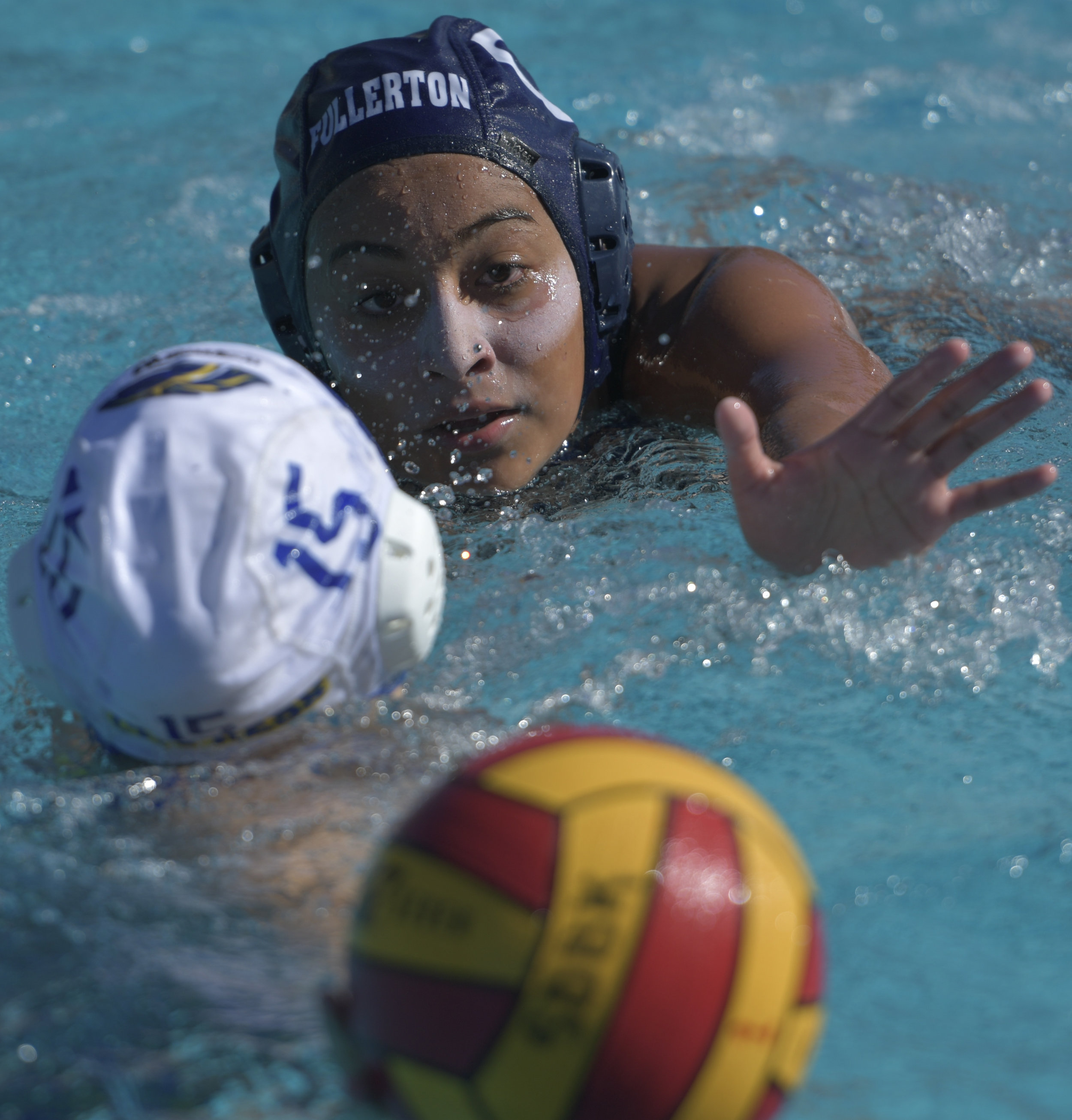 11-3-16-WaterPolo_B-353.jpg