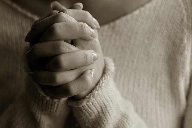 Woman-Praying1.jpg