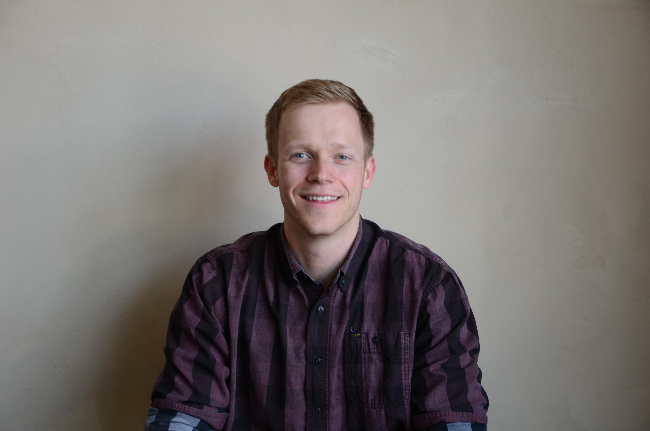 Sam Lindstrom JUNIOR SOFTWARE ENGINEER