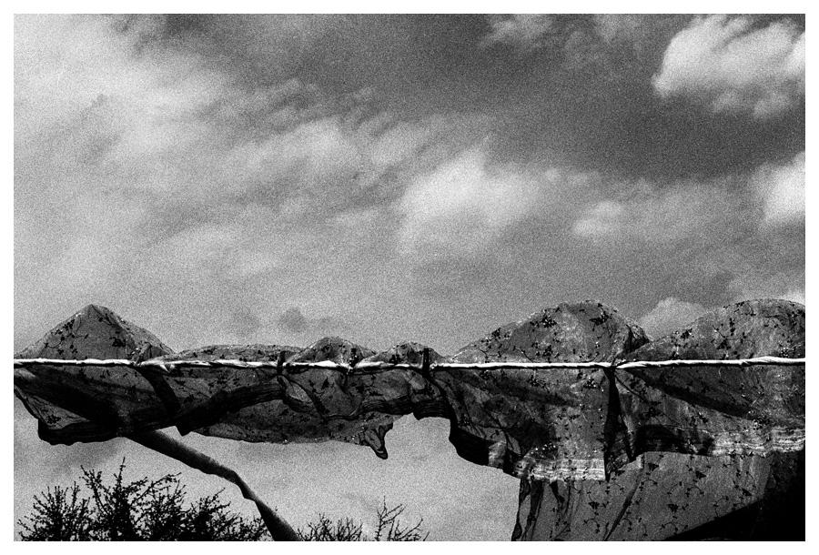 Fake landscape / Bedsheet on rope