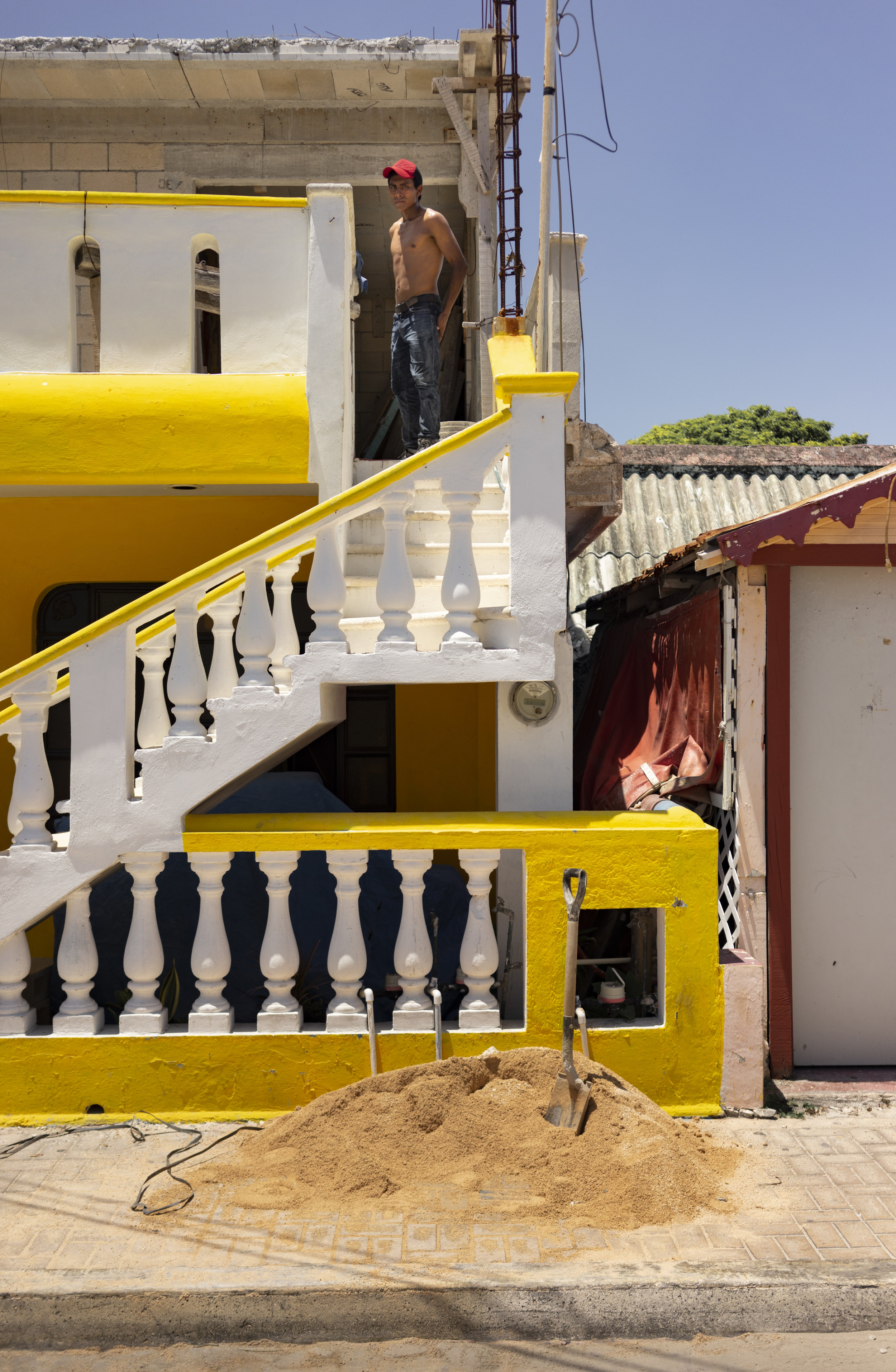 Yellow steps with Mexican.JPG