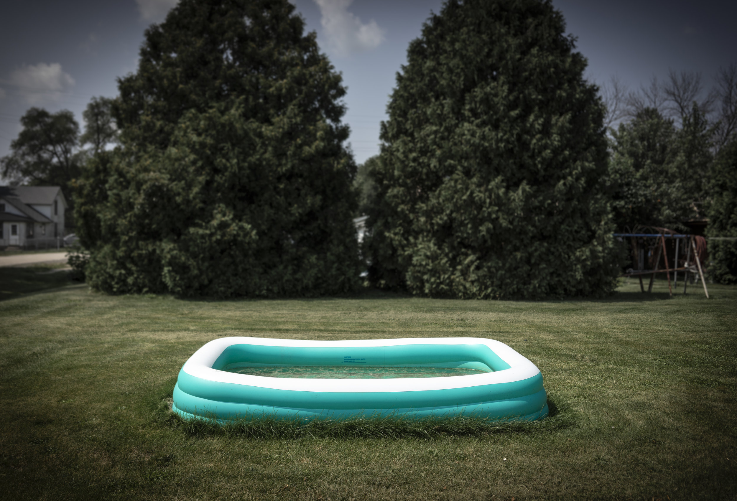 Pool on the grass_1.JPG