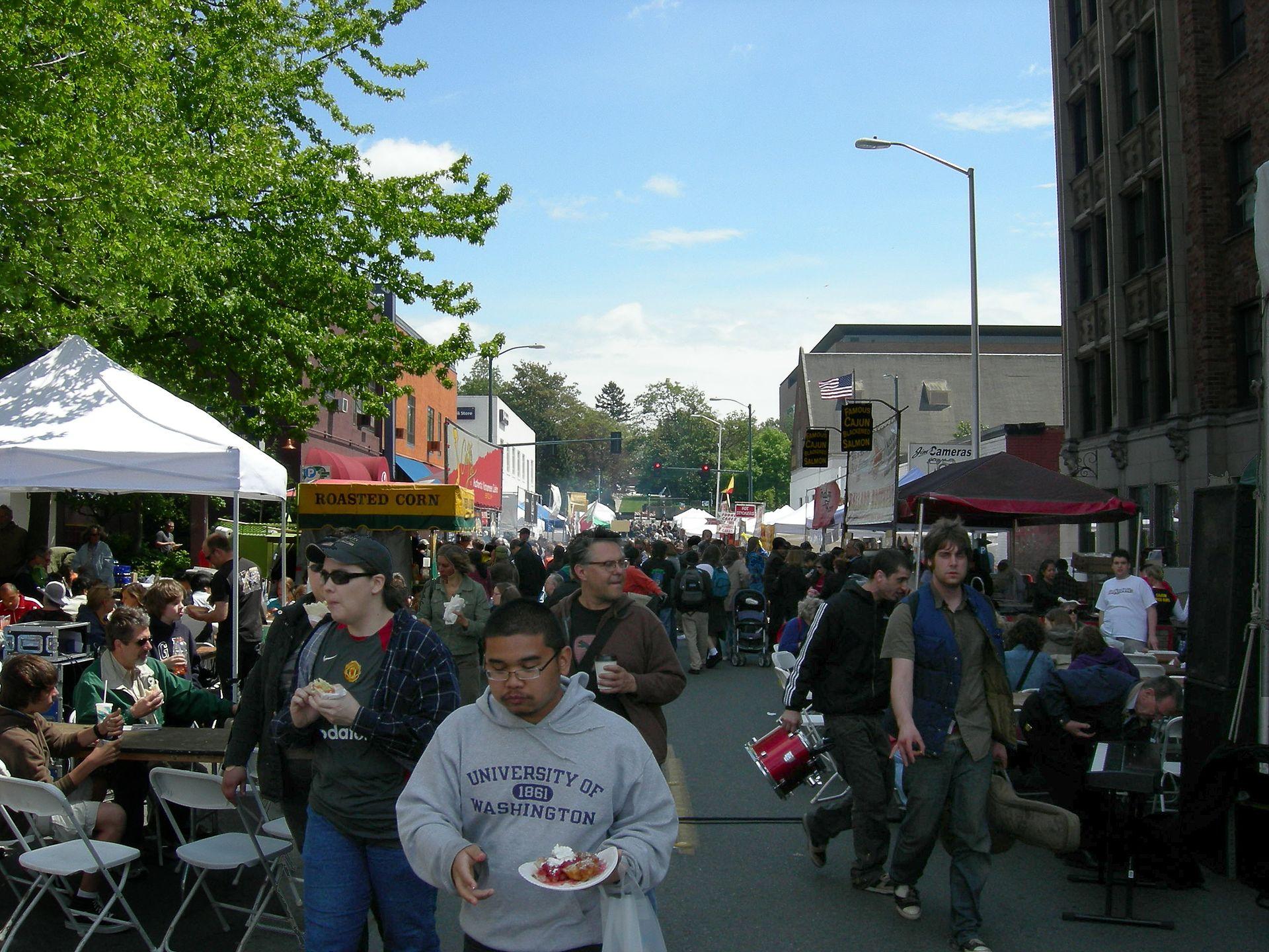 University DIstrict Street Fair.  Photo by Joe Mabel, CC BY-SA 3.0