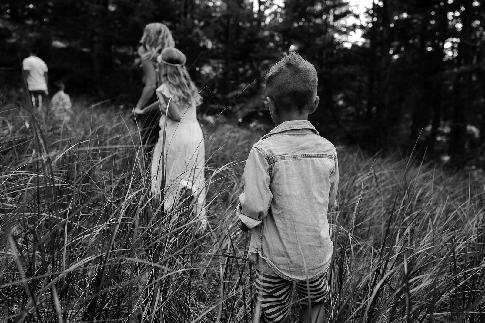 michigan-storytelling-photographer-ludington-mi-state-park-andrews-family-sunset-session-17.jpg