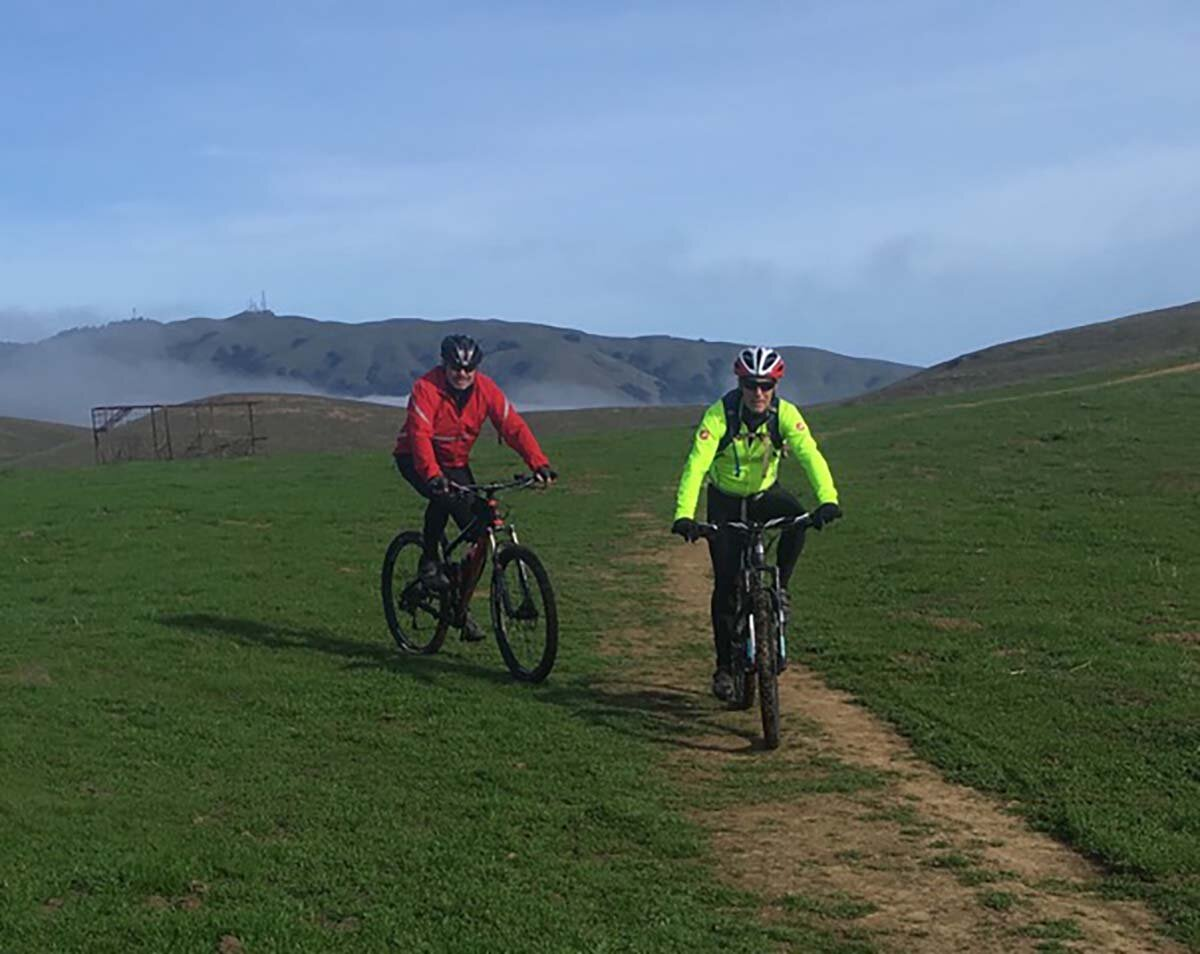 Two mountain bike riders on the Vargas Plateau
