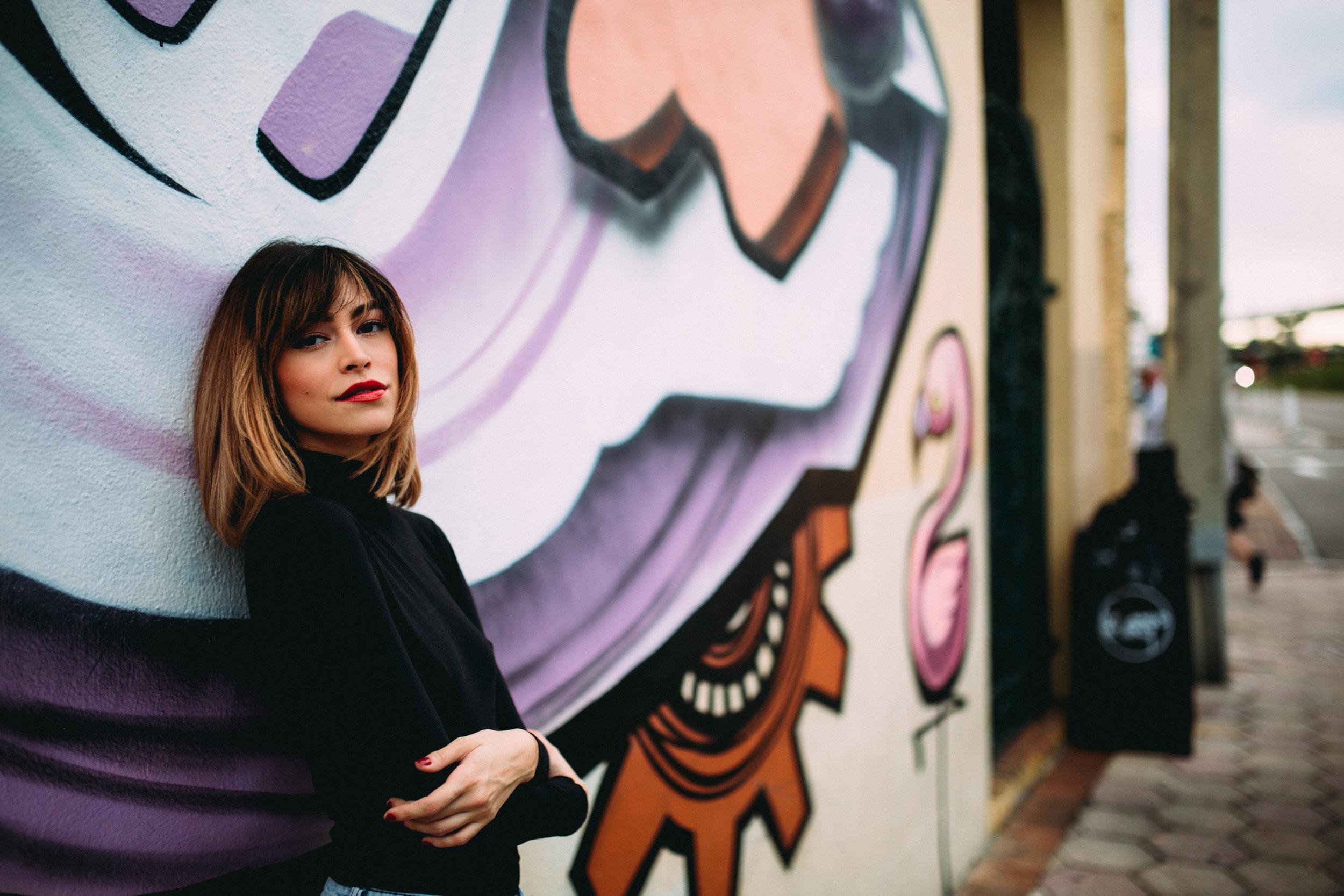 photographer-graffiti-portrait-yessy-rivera