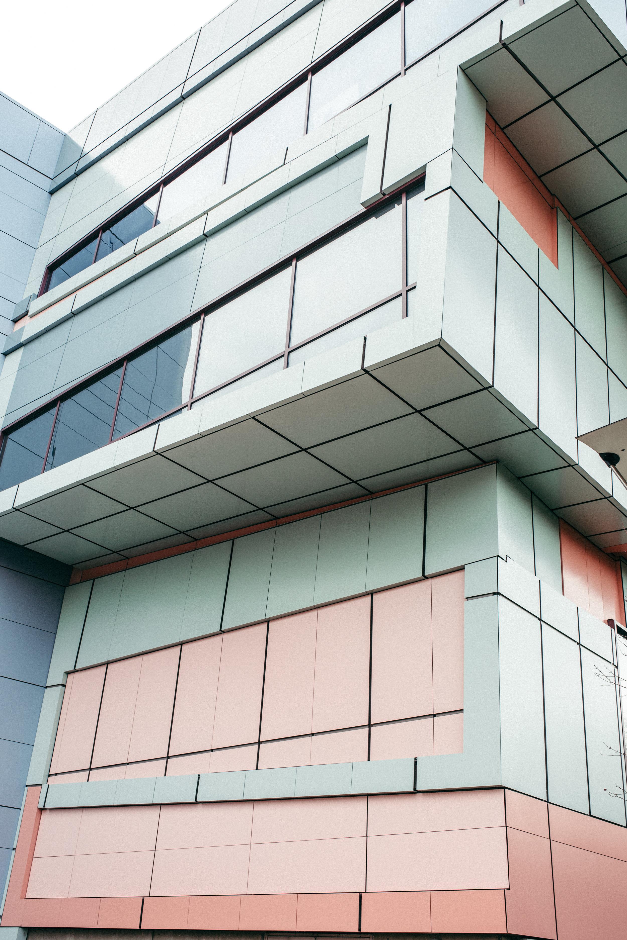 Cincinnati-photographer-lifestyle-building