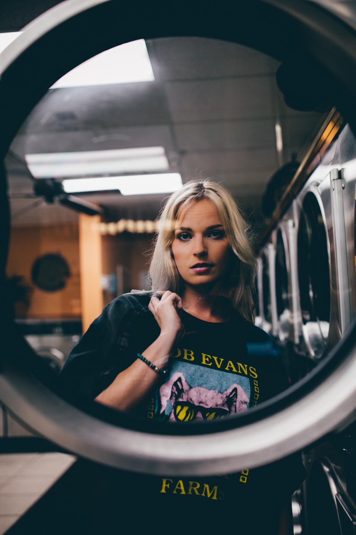 Photographer-Portrait-Lifestyle-Cincinnati-Laundry